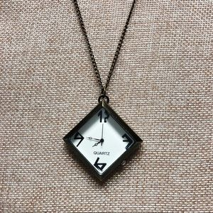 Jewelry - Vintage look pendant watch.